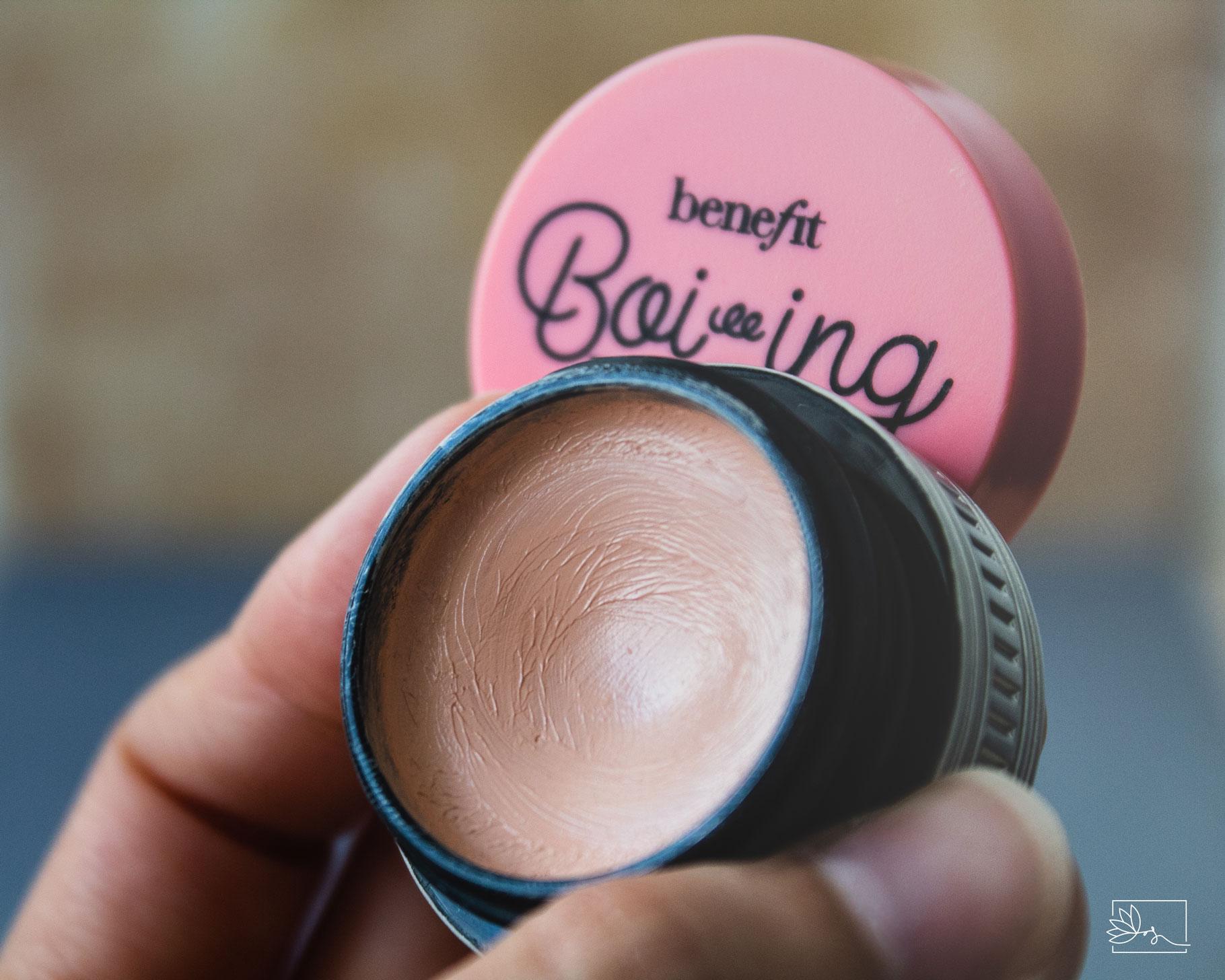 Benefit Cosmetics korektor Boi-ing Brightening